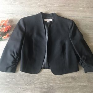 Kasper blazer jacket crop size 14 black very nice